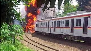 tabrakan kereta api
