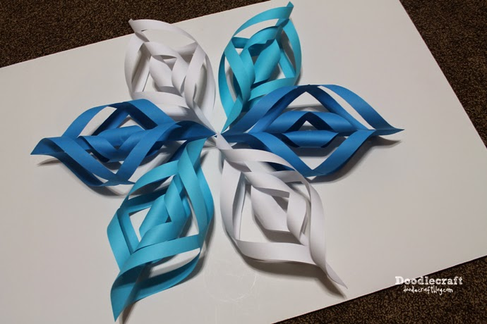 how to make snowflake paper chains
