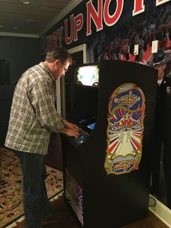 Gus Malzahn playing Galaga? Gus Malzahn playing Galaga.