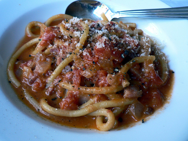Popular dishes of Rome, Bucatini all'Amatriciana