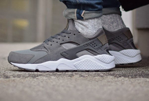 nike huarache dark grey