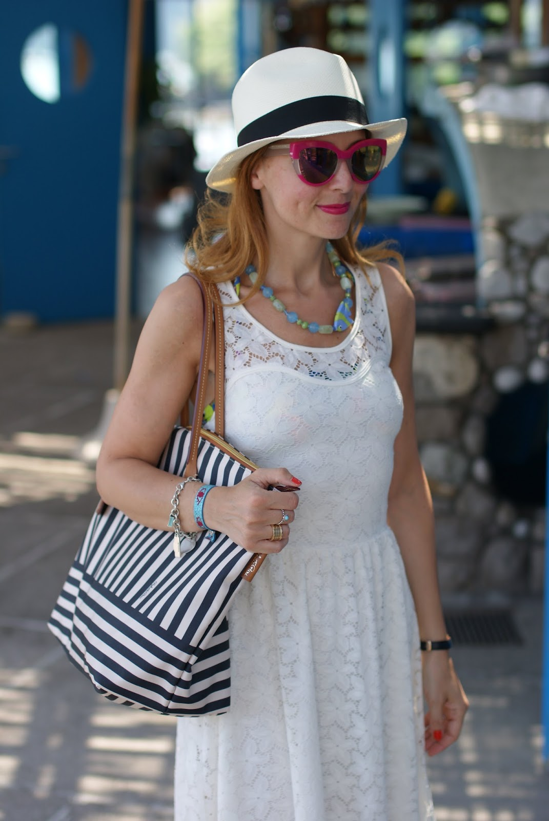 Amalfi coast look, what to wear on the Amalfi Coast, Lo Scoglio Nerano, Ecua-Andino panama hat and Robertina bag on Fashion and Cookies fashion blog, fashion blogger style