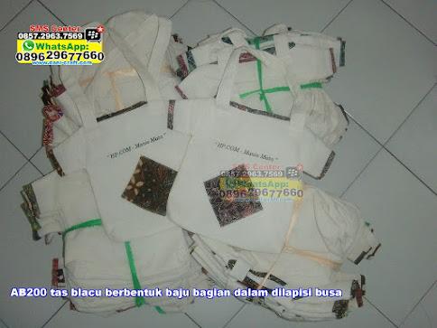 tas blacu berbentuk baju bagian dalam dilapisi busa murah
