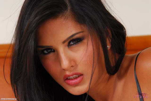 Sunny+Leone+beautiful+-+BollywoodGo+(4)