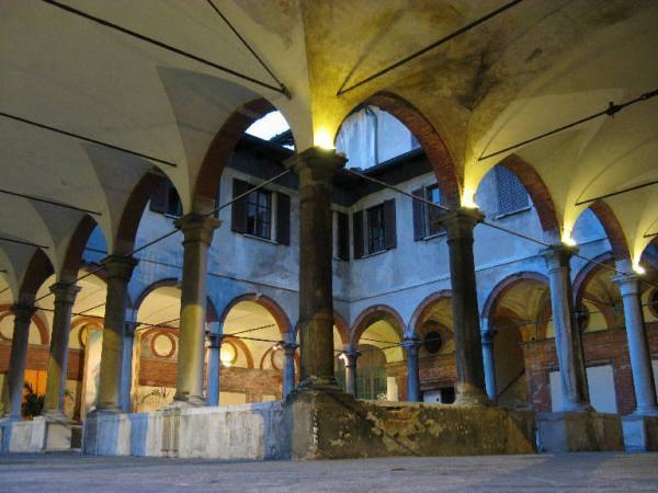 Dal 24 al 27 giugno nella suggestiva cornice dei Chiostri Bramanteschi di Santa Maria alla Fontana a Milano va in scena Adelchi di Manzoni