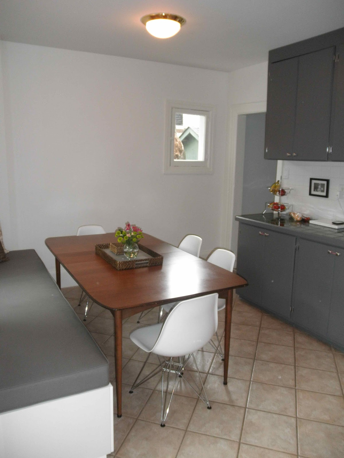 Loving Albany Behold The Kitchen Banquette