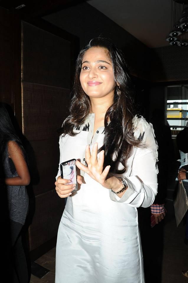 Rudhramadevi Release Day Press Meet HD images   Anushka   Gunashaker