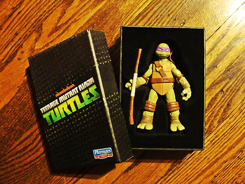 Teenage Mutant Ninja Turtles 2012 Neuralizer Toy : Teenage mutant ninja turtles toy fair exclusive
