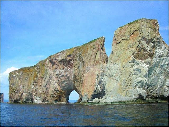 rocas con formas extra u00f1as y extraordinarias