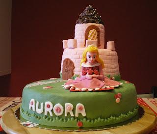aurora-bella-addormentata-torta-pasta-di-zucchero