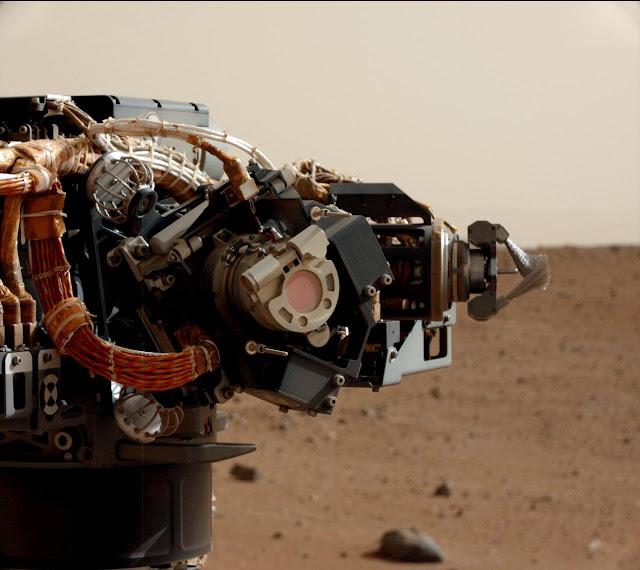 Camêra no braço mecânico do Curiosity