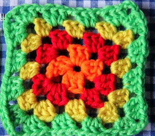 http://translate.googleusercontent.com/translate_c?depth=1&hl=es&rurl=translate.google.es&sl=nl&tl=es&u=http://homemadeatmyplace.blogspot.com.es/2013/04/make-it-basic-granny-square.html&usg=ALkJrhhz6s4OsjYsBgh_qujoJ2CxV-osUQ#links