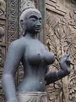 Statue - Gangaramaya Temple, Colombo