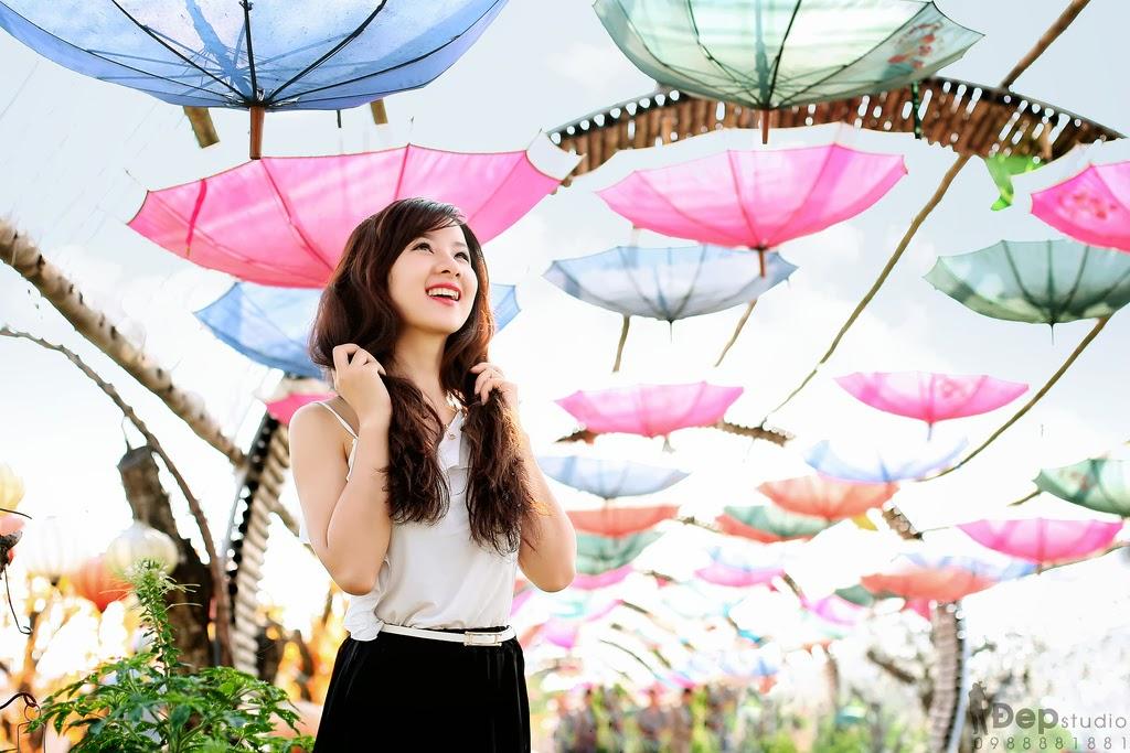 Album hình ảnh đẹp: Cô gái trước nắng hoàng hôn, thu hà kitty