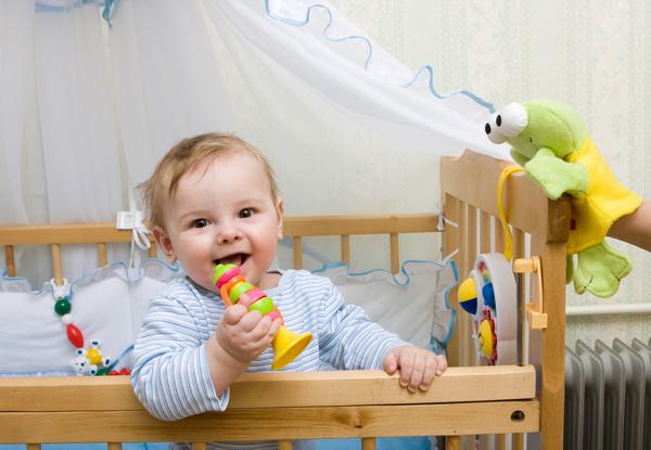 quarto bebe menina-quarto de menina-quarto de menino-quartos de meninos-quarto de meninas-jogo de quarto de bebe-jogos de bebe-pintura de quarto de bebe-moveis casa verde-bb-quarto infantil-bb-blog infaNTIL-criança no berço