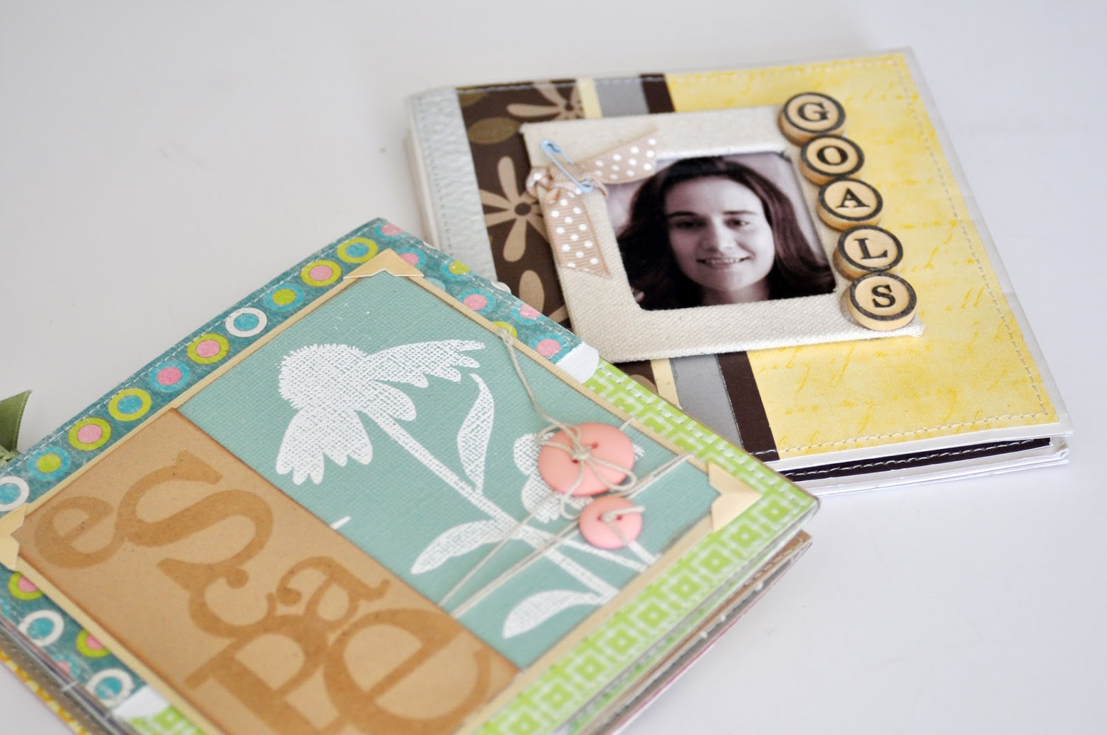 Accordion Mini Albums by Jen Gallacher found on www.jengallacher.com