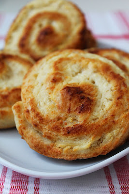 Drożdżówki z serem (Bajeczne smaki)