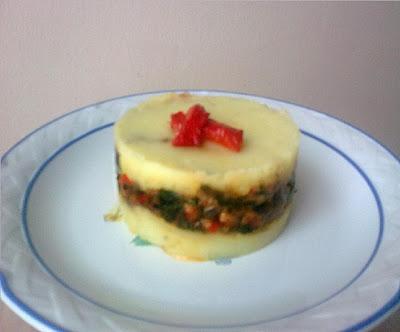 Pastel Vegano de Patata y Soja con Espinacas.