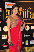 Shriya Sizzling in saree at IIFA Utsavam-thumbnail-16