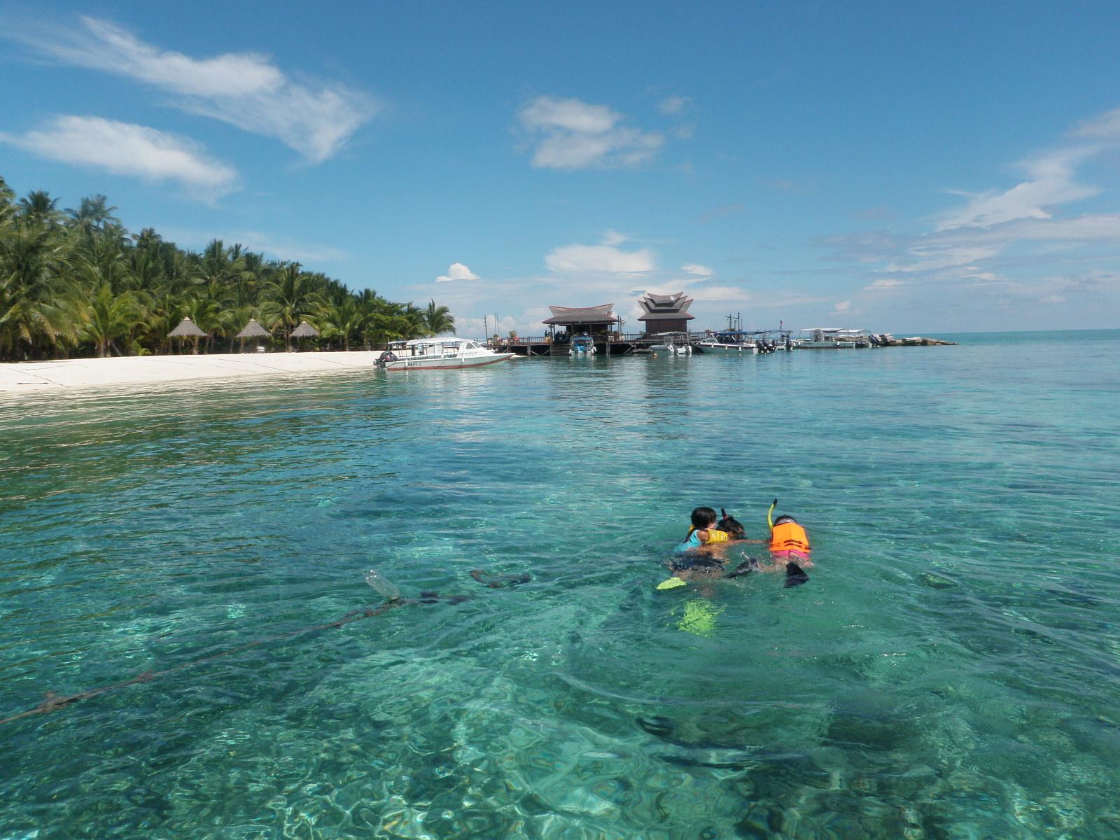 جزيرة مابول ماليزيا مزرات ماليزيا Mabul-Island-2.jpg