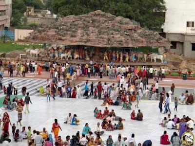 Jagadguru Kripaluji Maharaj's devotees celebrated Krishna Janmashtami 2012 at Prem Mandir Vrindavan