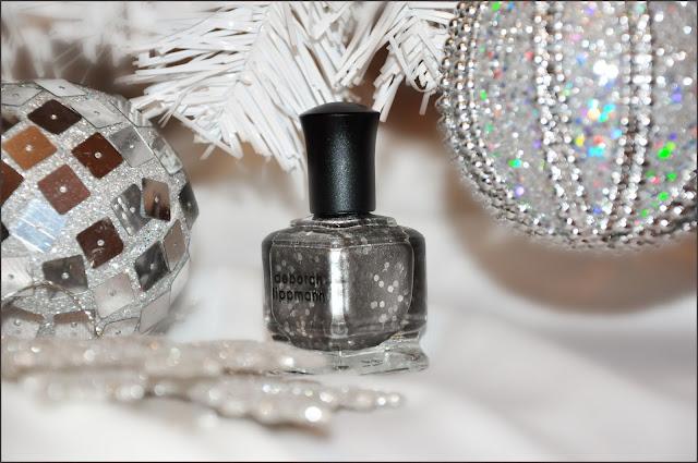 новогодний серебряный маникюр
