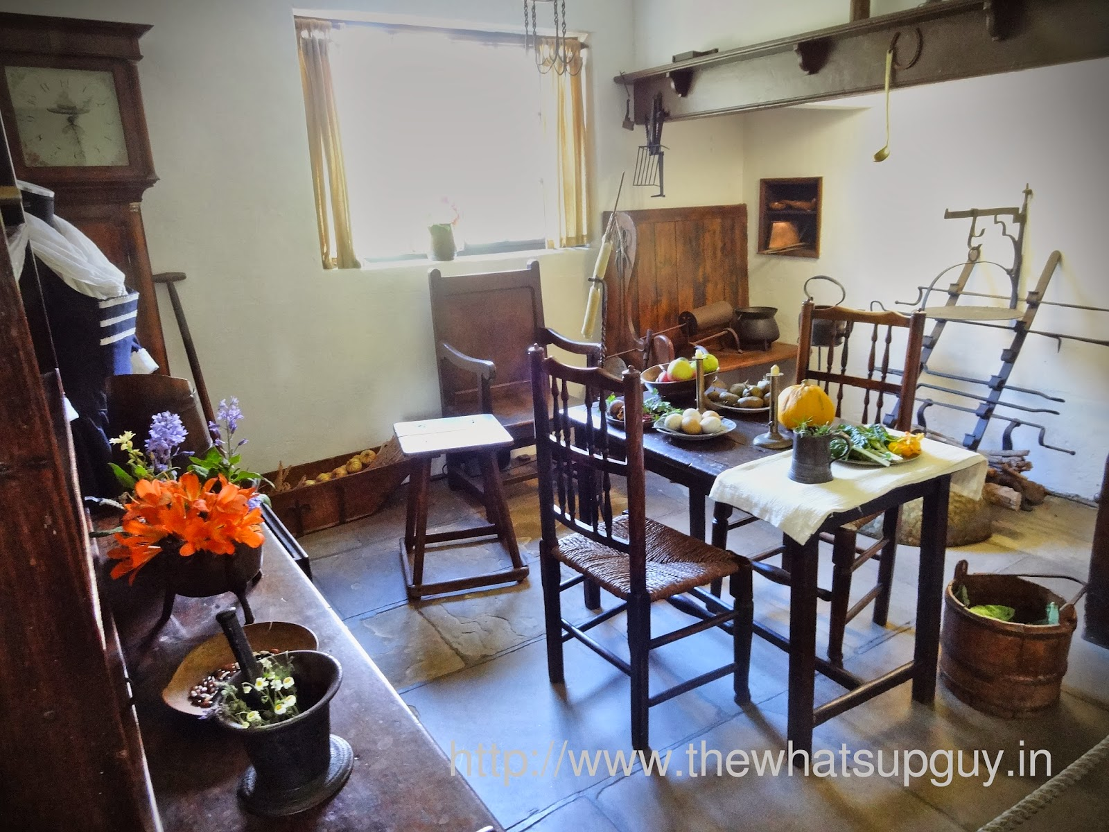 Cooks Cottage Table