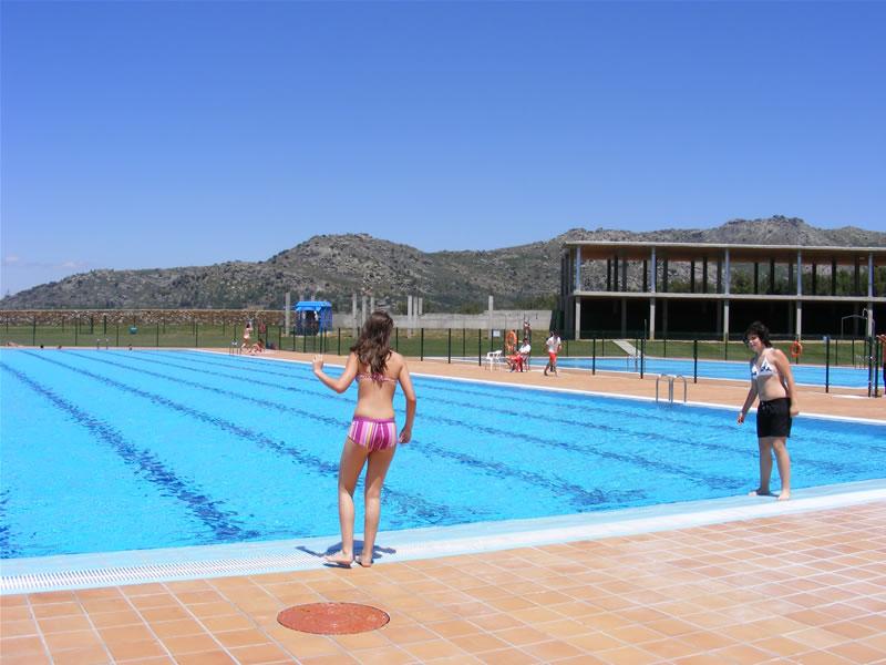 imagen de las piscinas municipales de bejar
