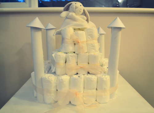 baby-shower-ideas-nappy-castle-cake