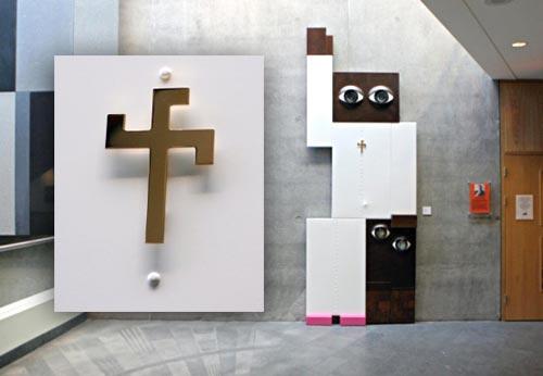 """Escultura """"A Verdade Santa"""", de Jeff van Weereld"""