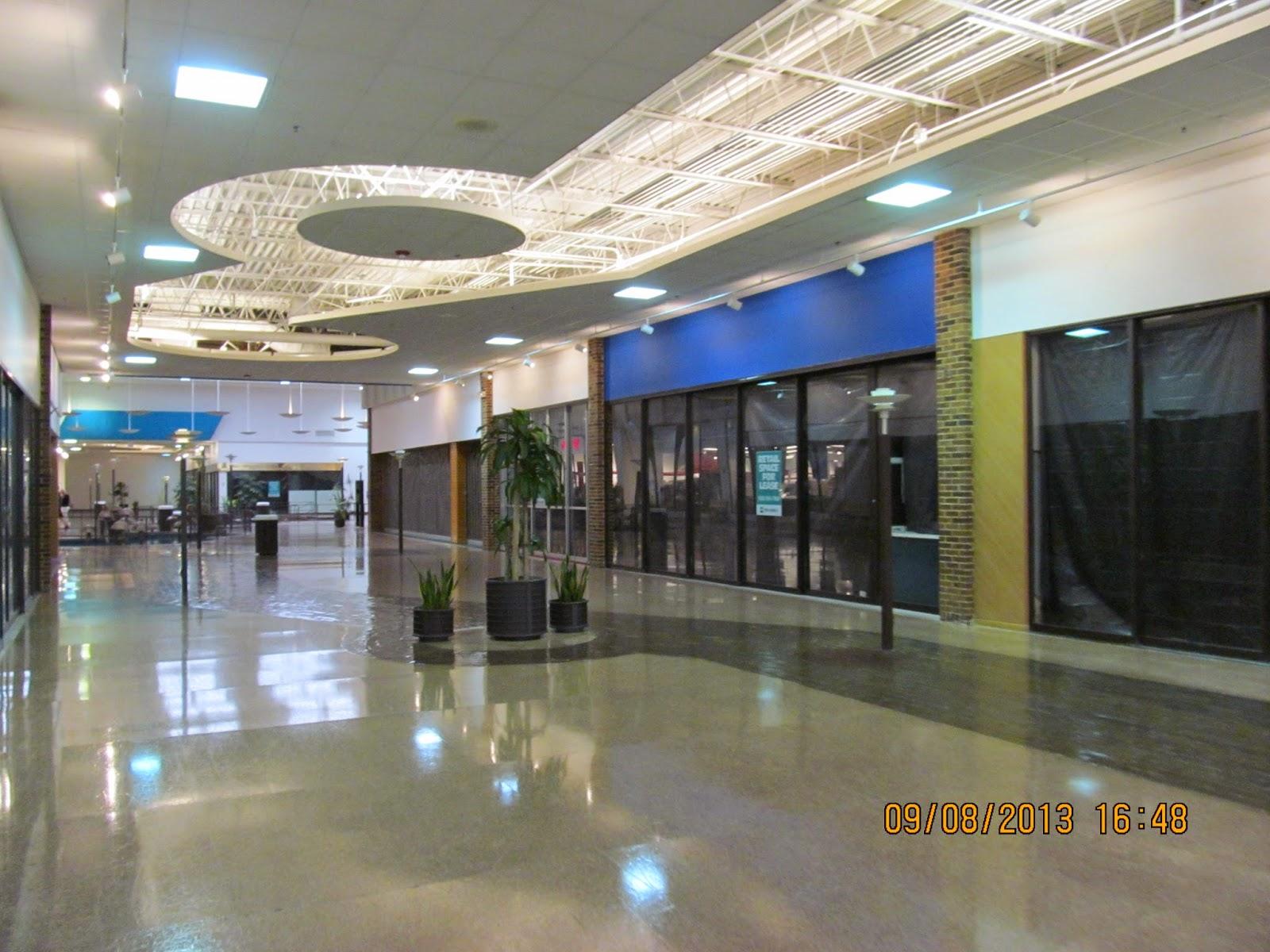 halloween store deerbrook mall