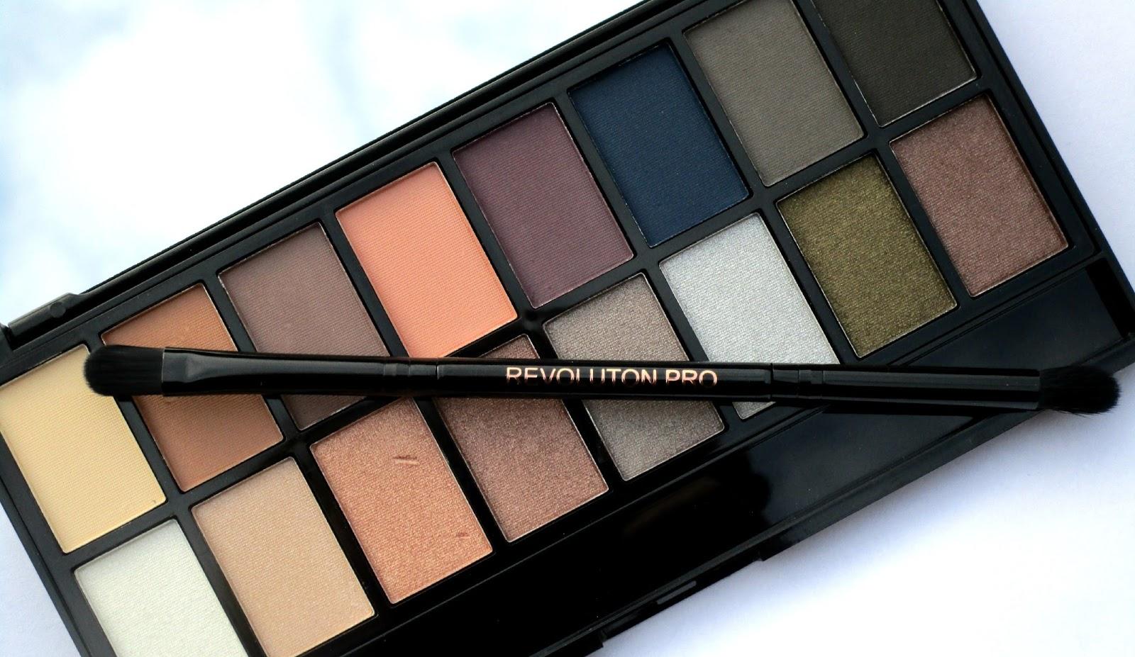 haysparkle makeup revolution iconic pro 2 eyeshadow. Black Bedroom Furniture Sets. Home Design Ideas