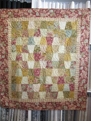 Honey Bee Quilt Store: Pictures of the Free Projects from the Honey Bee Tumbler Template