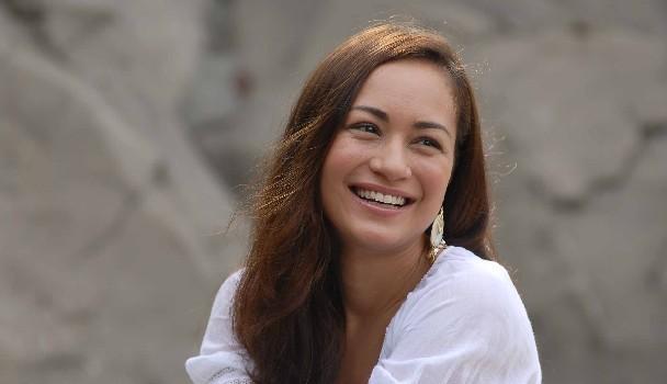 Gambar Maya Karin Wajah Cantik Kacukan Indonesia Jerman