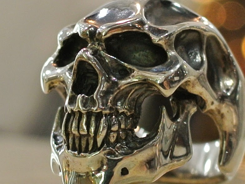 Strange Freak Designs - Diavolo Skull Ring
