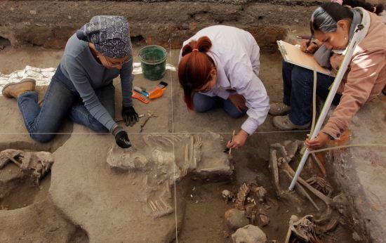 Arkeolog Temukan Kerangka 800 Tahun di Meksiko