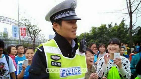 Anggota Polis Ini sering Menjadi Tumpuan Wanita Cantik