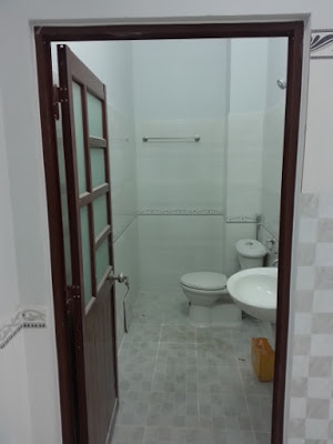 Toilet khép kín sạch sẽ