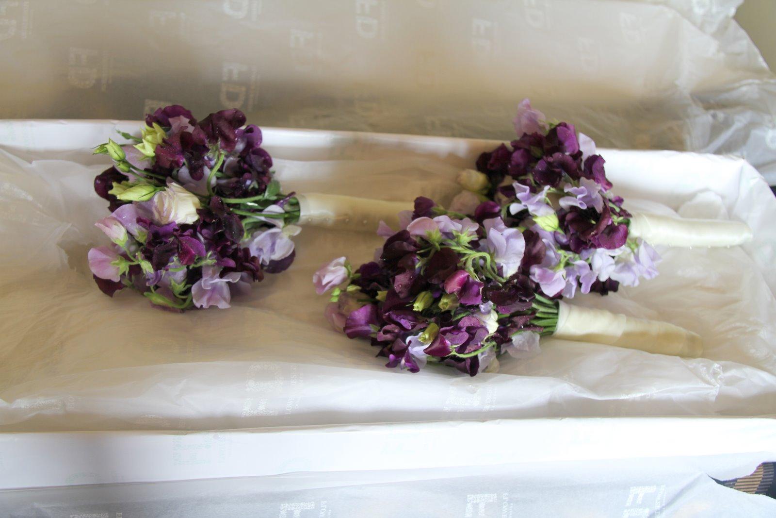 Flower Design Beautiful Bridesmaid\'s Bouquets: Purple & Lilac Sweet ...