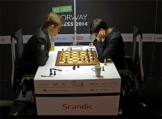 Echecs : Magnus Carlsen annule ronde 1 face à Anish Giri - Photo Chessbase