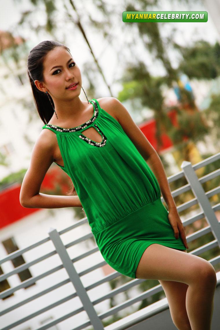 Model Sweety Ko: Hot Teenage Girl in Mini Fashion Dress.