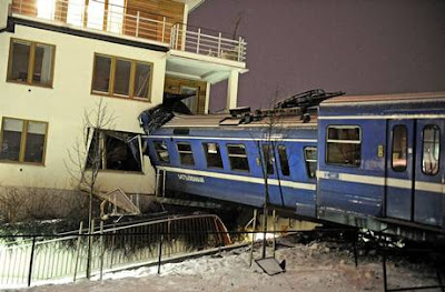 curi kereta api