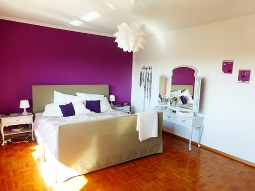 Schlafzimmer Lila Violett Purple Dekoration Schminktisch Vintage