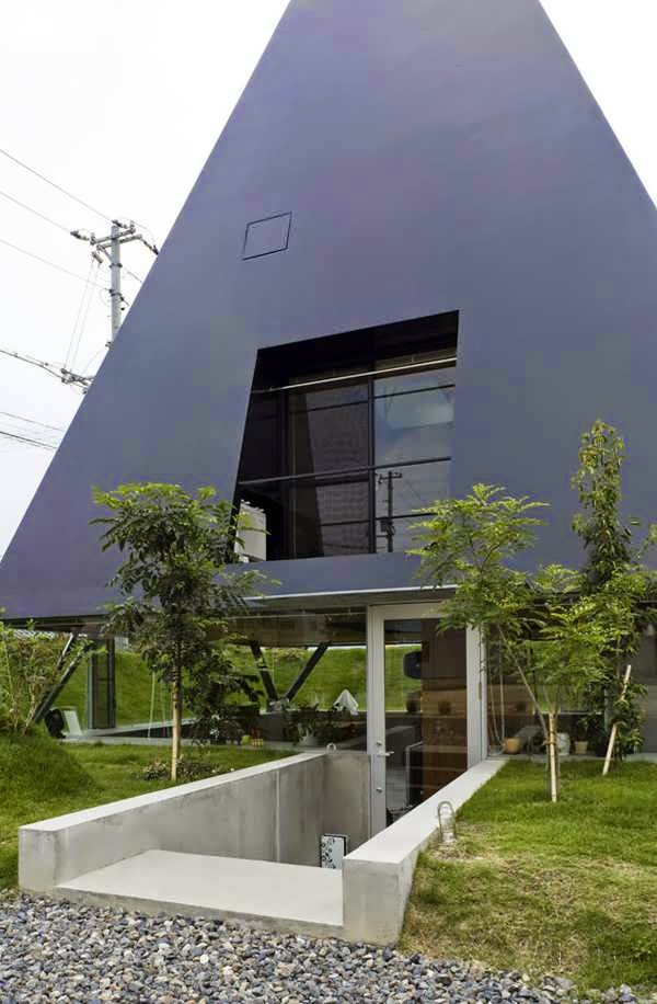 Saijo the unusual modern japanese house design pyramid for Small house design japanese style