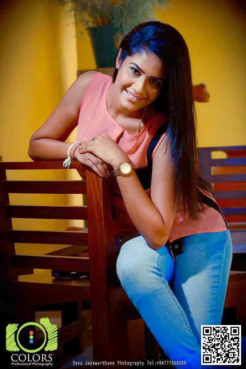 Maheshi Madusanka tight jeans