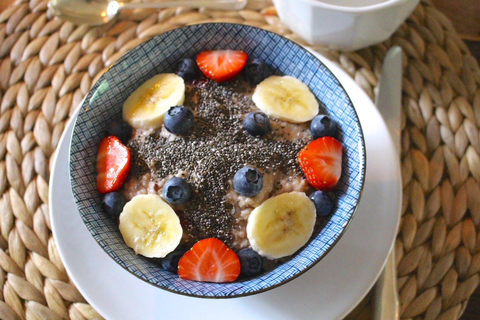 Vegan oatmeal porridge