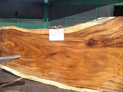 Grosse planche de bois