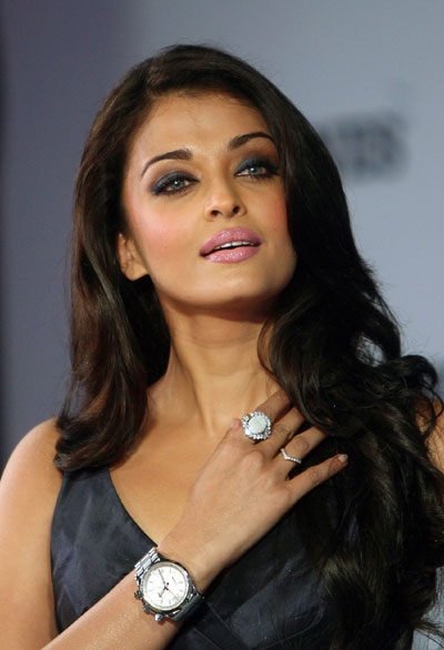 Aishwarya Rai Latest Romance Hairstyles, Long Hairstyle 2013, Hairstyle 2013, New Long Hairstyle 2013, Celebrity Long Romance Hairstyles 2128