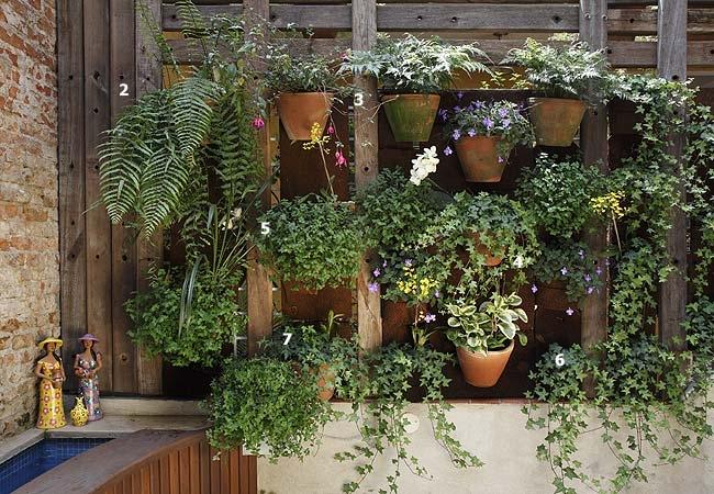 escadas rusticas jardins : escadas rusticas jardins:Mirian Decor: Um jardim na parede!!!