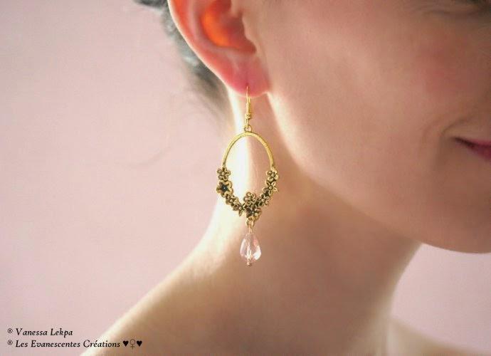 Vanessa Lekpa : boucles d'oreille pas cher , style égyptien, vintage , classique avec estampe dorée petites fleurs sculptées et perle de cristal poire